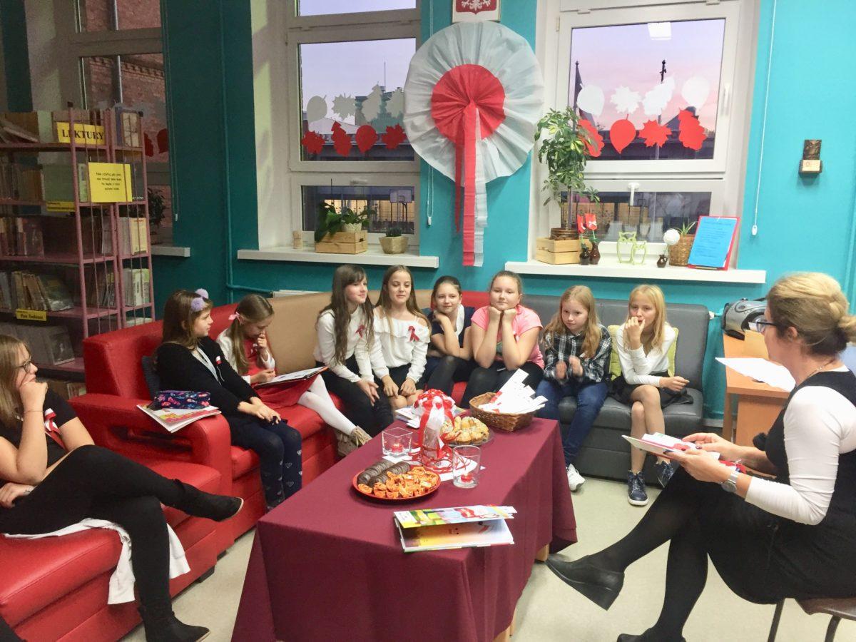 Patriotyczne Spotkanie Z Poezją I Piosenką Szkoła